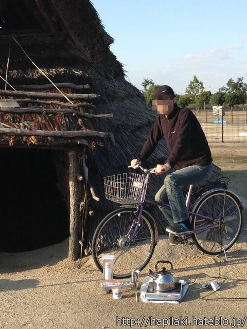 自転車で発電中