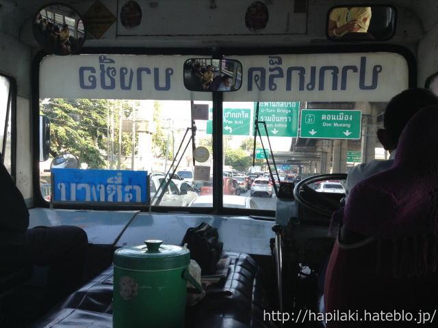 バンコクバス52番の車窓
