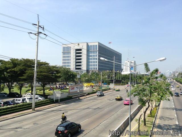 バンコク・イミグレーション付近の歩道橋