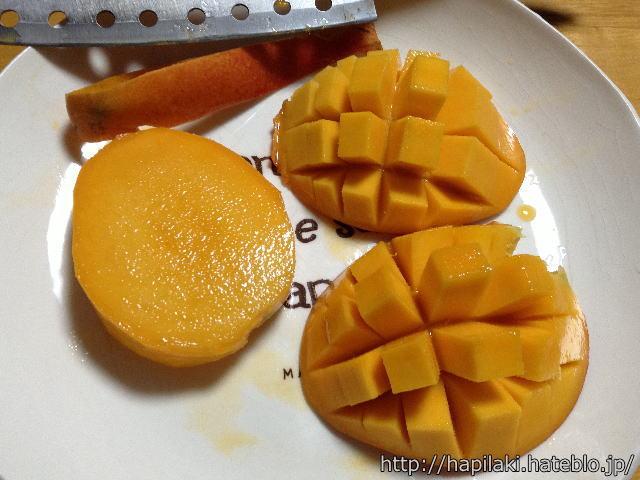 沖縄県那覇市のアップルマンゴーをゴージャスカットした