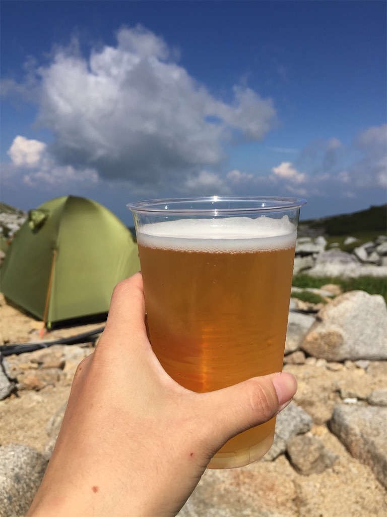 駒ヶ岳頂上山荘で生ビール