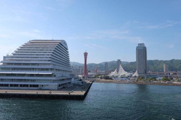 神戸ルミナス2 出航直後に見える神戸の街並み