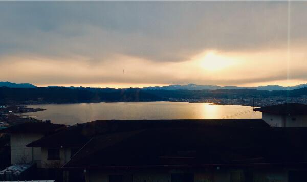 蕎麦屋 登美 窓からの夕焼け