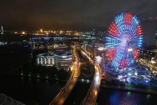 客室バルコニーから見える観覧車(横浜ベイホテル東急)