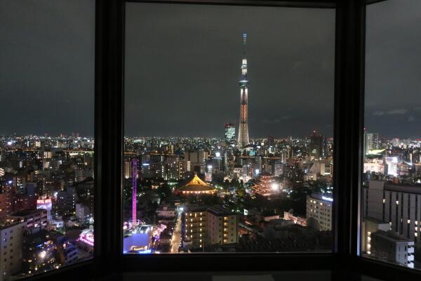 窓から見える夜景!(浅草ビューホテル)