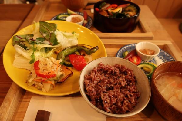 色んな調理がされた野菜がこちらもたくさん♡(葉山「Seedling」)