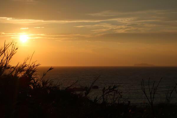 江の島が遠くに見える絶景♡【葉山夕焼け】