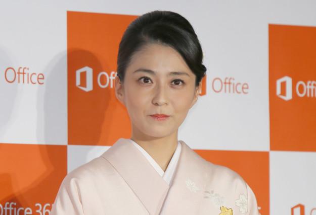 小林麻央さんが記者会見の日に送ったコメントには、家族へのあふれる愛と、進行性乳がんを克服する強い想いが感じられます