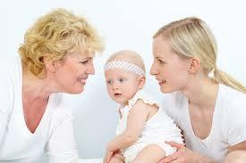 嫁と姑はどう関わったら良いでしょうか?嫁と姑はどっちが気を使う?孫が生まれた時の大失態