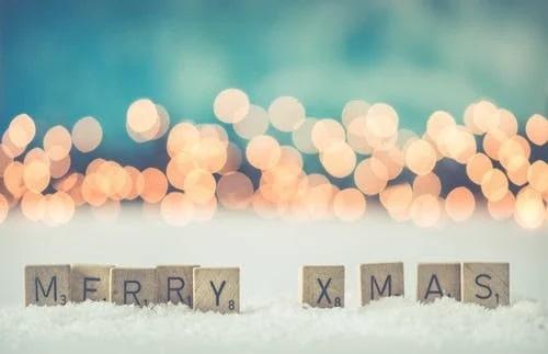 メリークリスマスの英語とイルミネーションが美しい
