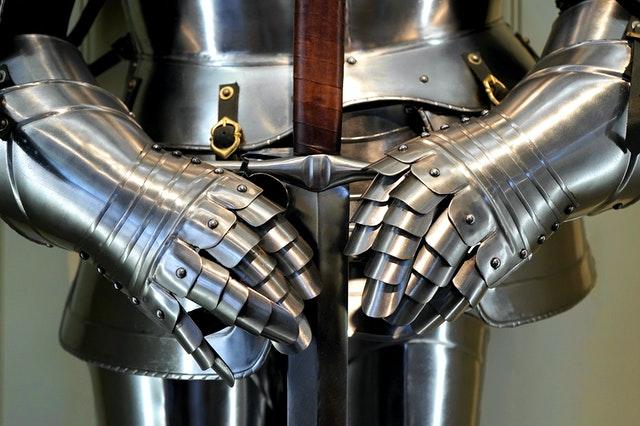 鋼の錬金術師に登場するアルフォンスのようなロボット