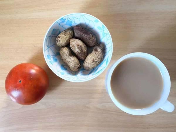 カフェオレとピーナッツと柿