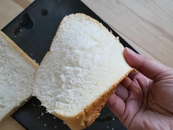 極生ミルクバター食パン