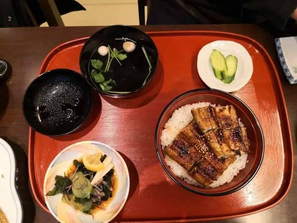 お昼のうな丼1800円うなぎ処さいしょ