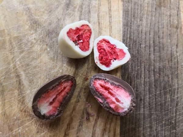 無印良品不揃いチョコがけイチゴ