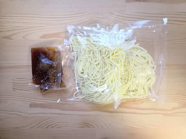 KALDI上海焼きそば中の麺