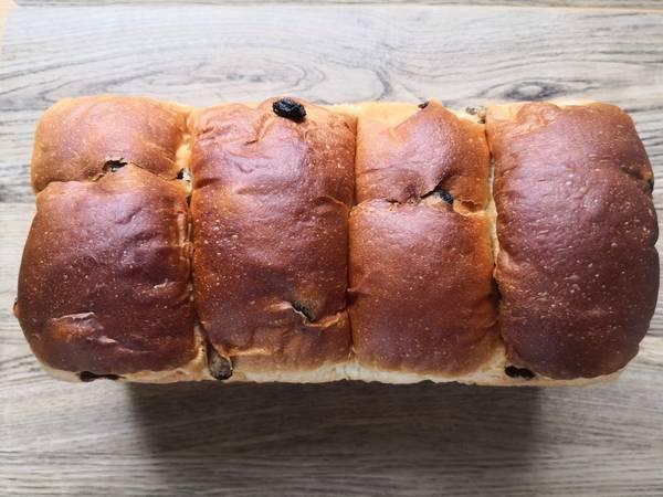 嵜本金曜限定極葡萄食パン