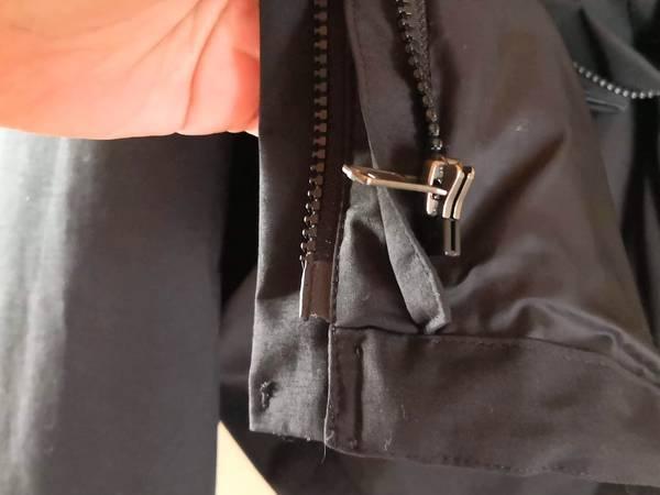 ノースフェイスマウンテンライトジャケットのジップインジップ
