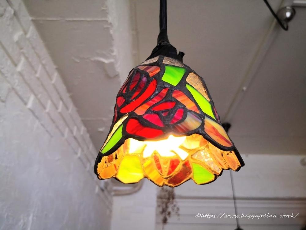 ステンドグラス風のライト