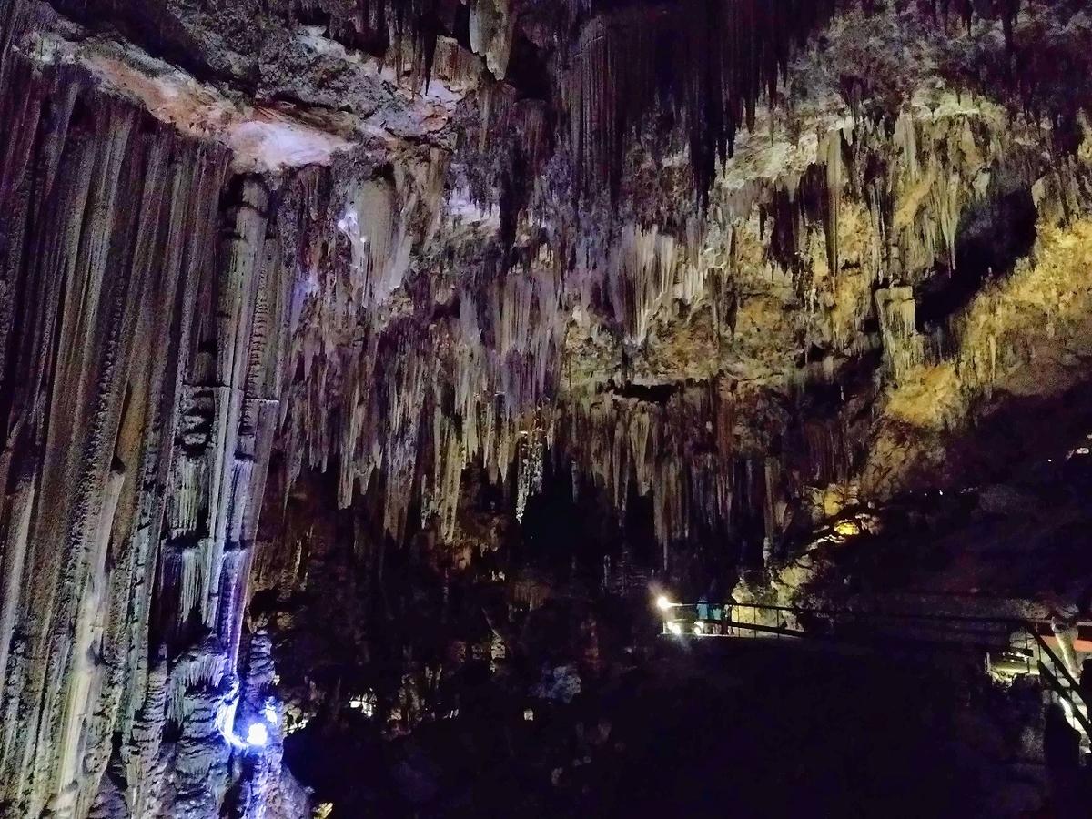 ネルハの洞窟