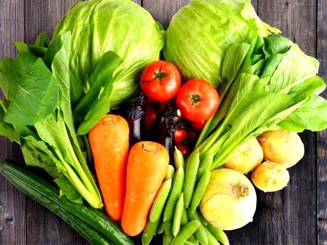 アトピーを改善していくためには、特に野菜中心の食生活で腸内環境を整えることで、血液をキレイにし、細胞をきれいにする