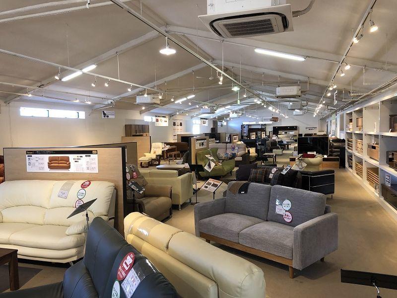 家具の総合商社、大川市の「関家具」