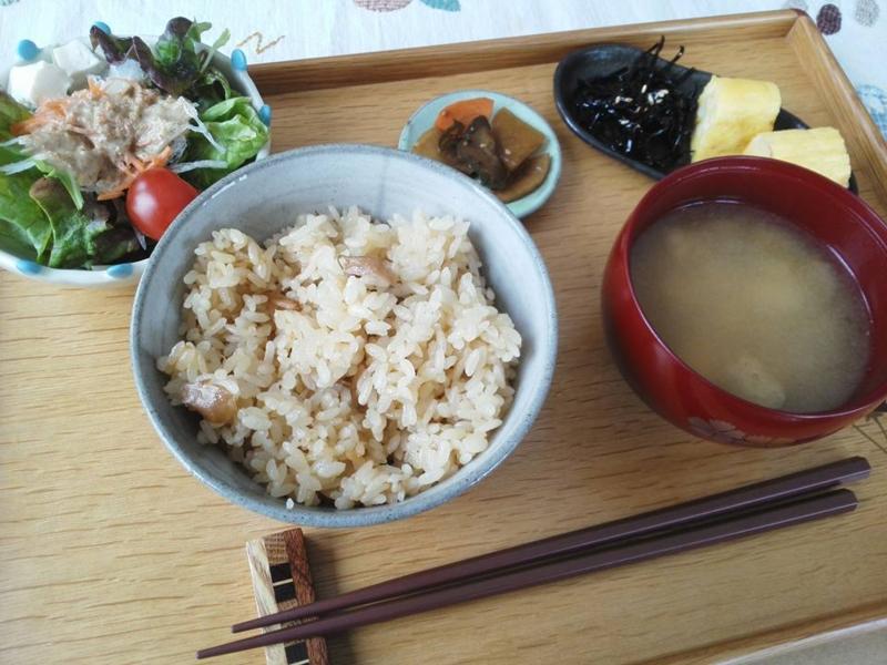 東川・コスモスカフェ・きのこご飯