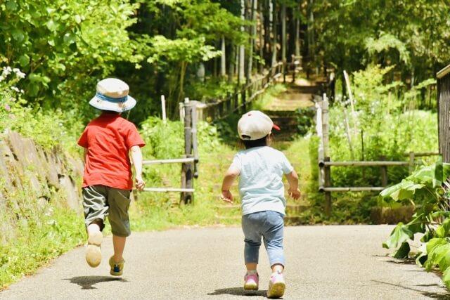 子供の散歩