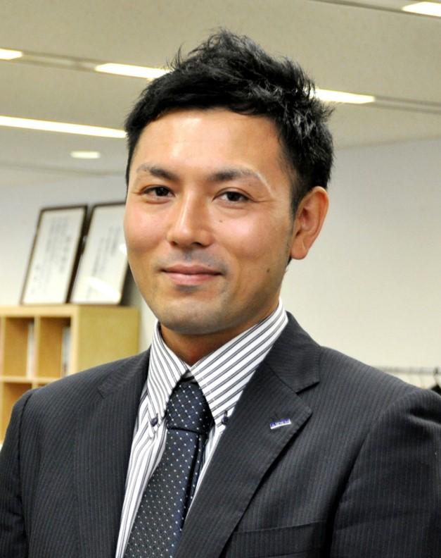 岡安伸悟氏