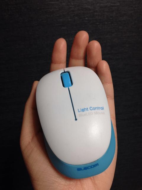 ELECOM社のワイヤレスBlueLEDマウス