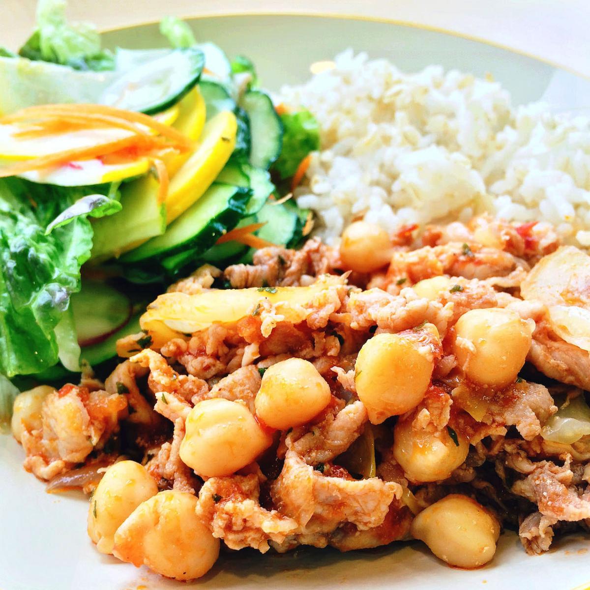 今日のランチ:豚とひよこ豆のトマト煮