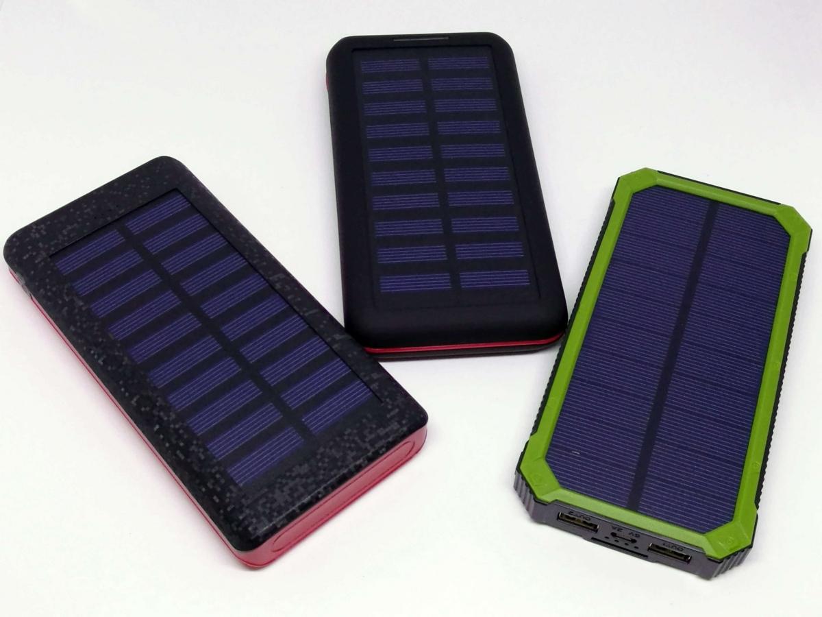 悪天候でも充電できる? 3,000円以下で買えるソーラーモバイルバッテリー3製品をガチレビューの画像