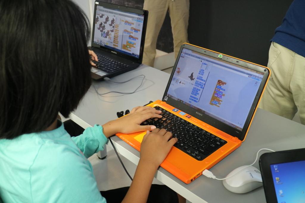 子供が独学で学べる最新プログラミング教材(後編) 学習ゲームやブロックロボット教材で本格的なプログラミングを学ぼうの画像