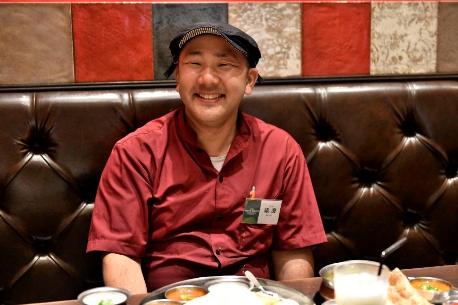 磯邊店長の笑顔