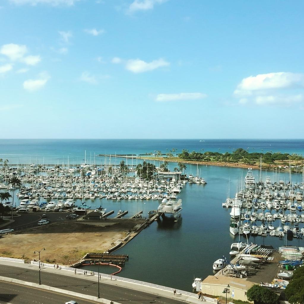 Waikiki yacht harbor ワイキキヨットハーバー⛵