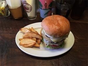 パントリーコヨーテハンバーガーの写真