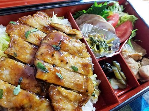 津田園本店 お弁当「トンテキ」 実食