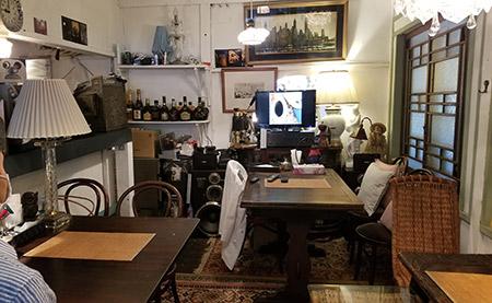 テーブル席『Caffe1925』
