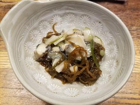 モズクとつぶ貝の和え物 -津田園本店-