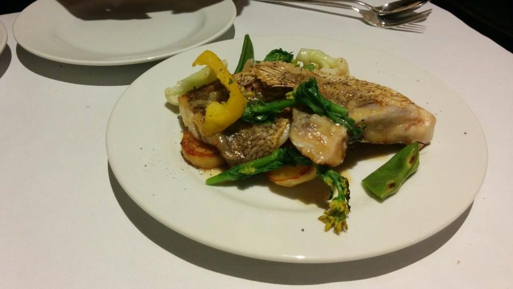 ラ プティ セヌ 本日の魚料理