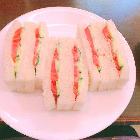 待合室2,野菜サンドウィッチ