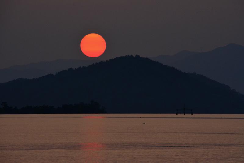 京都新聞写真コンテスト「真赤な太陽」