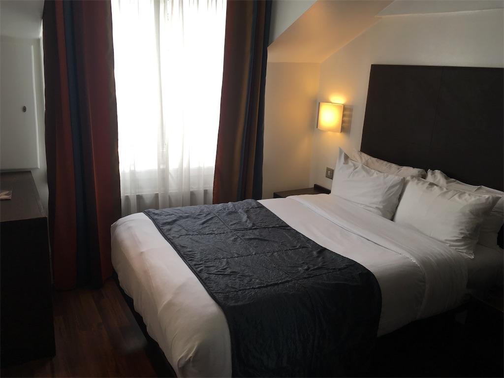 Caesar-Hotel-room