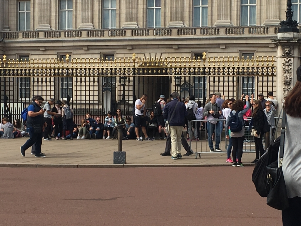 Buckingham Palace-9:40am