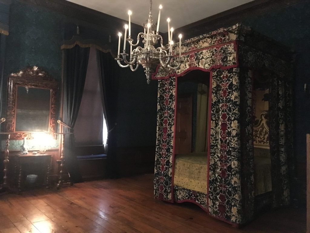 Queen's-bedroom
