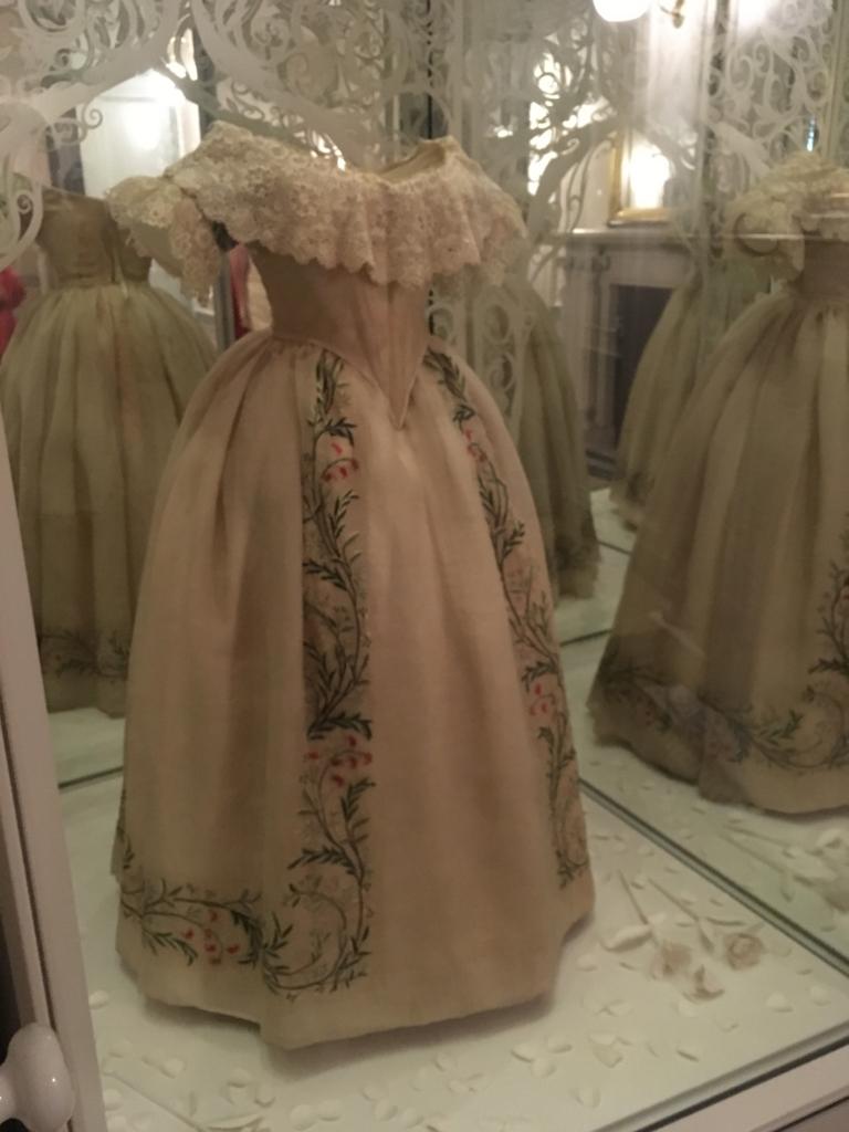 Victria-dress