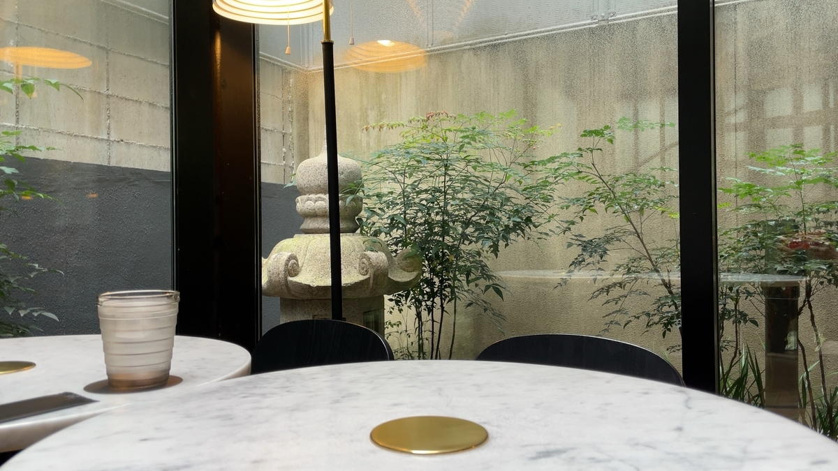 CAFE AALTOのテーブル