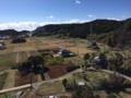 弁天社裏の小山から見た平舘の畑や田んぼ