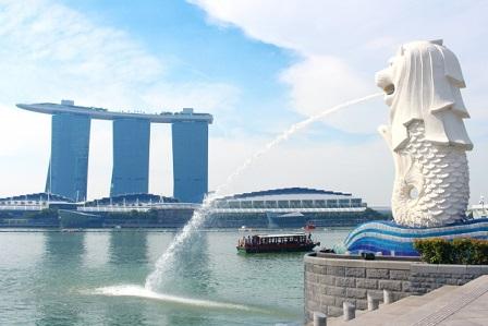 シンガポールへマーライオン