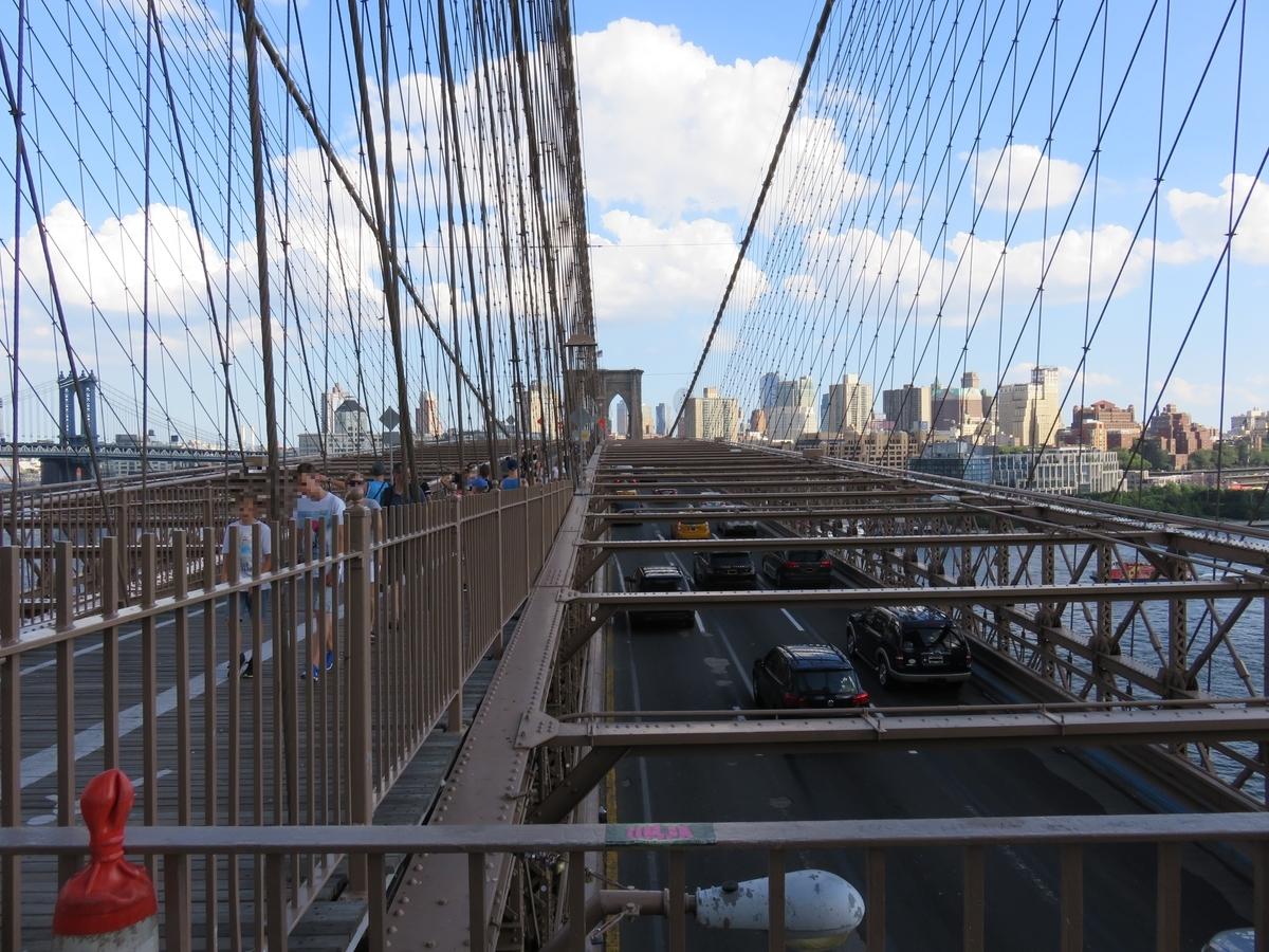 ブルックリン橋支柱付近